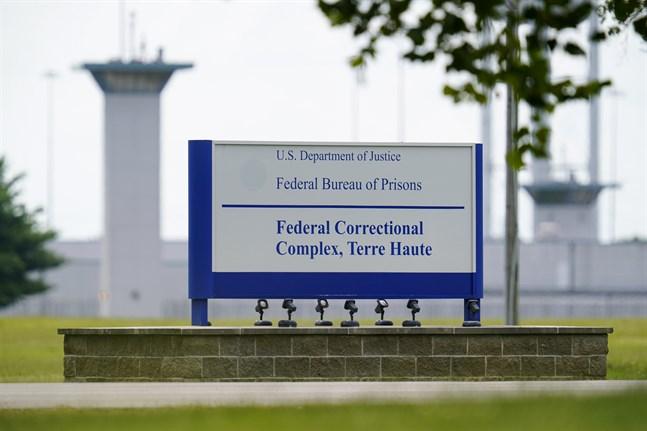 Dödsstraffet verkställdes i fängelset i Terre Haute, Indiana.