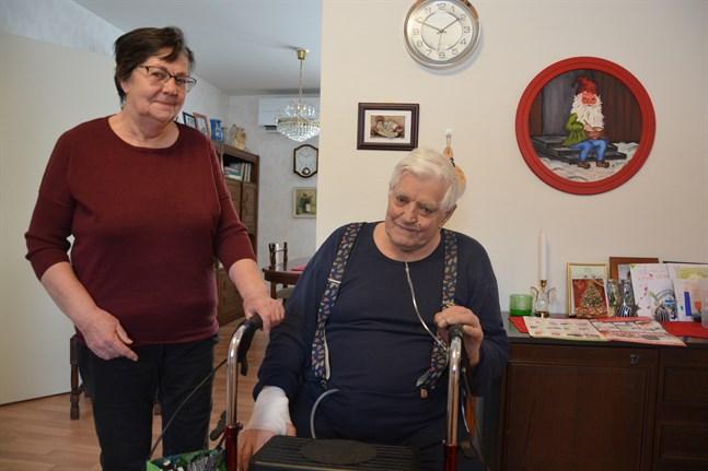 Maj-Britt och Kurt Krook säger att de faktiskt har nytta av den effektiverade hemsjukvården.