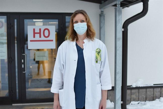 Mia Sandberg konstaterar att inga nya coronafall är aktuella i Närpes. Läget är lugnt.