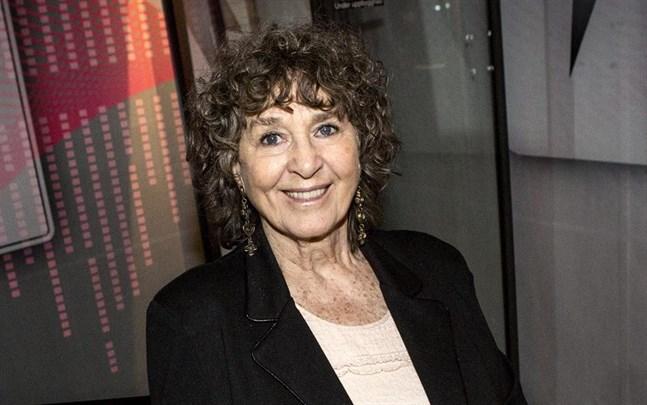 """Siw Malmkvist är en av deltagarna i """"Seniorsurfarna""""."""