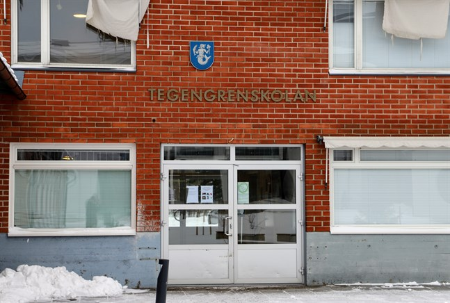 Tegengrenskolan i Vörå övergick till distansundervisning i måndags och fortsätter på distans även nästa vecka.