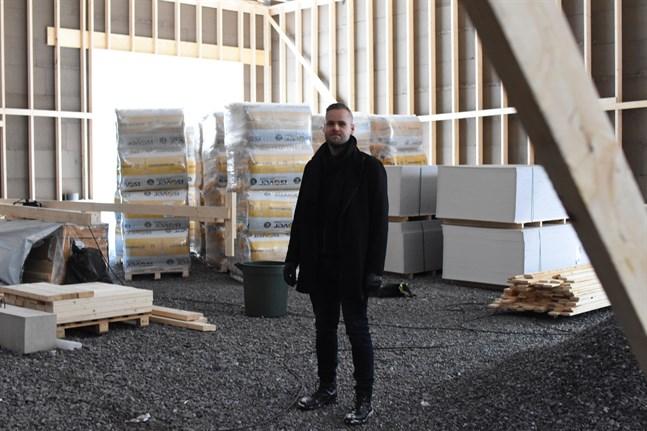 En del av hallen kommer att vara uppvärmd, berättar Simon Nystén.
