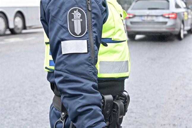 Polisen i Björneborg larmades till olycksplatsen omkring klockan 13 på torsdagen.