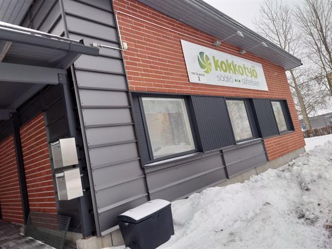 Kokkotyö-stiftelsens konkurs sysselsätter advokat Kari Autio som bäst. Skulderna rör sig om närmare 1,3 miljoner euro.