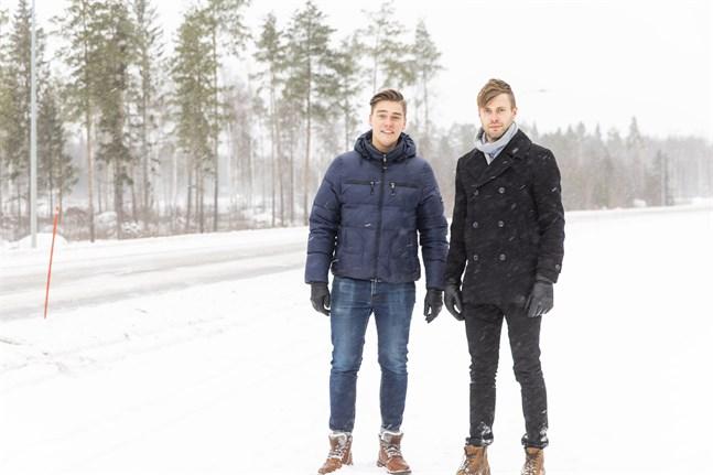 Linus Krooks, vd på fastighetsbolaget Kvadraten och Dennis Sundqvist, Bravidas enhetschef i Vasa och Seinäjoki, vill skapa ett nav för företag som vill bli mer cirkulära och koldioxidneutrala.