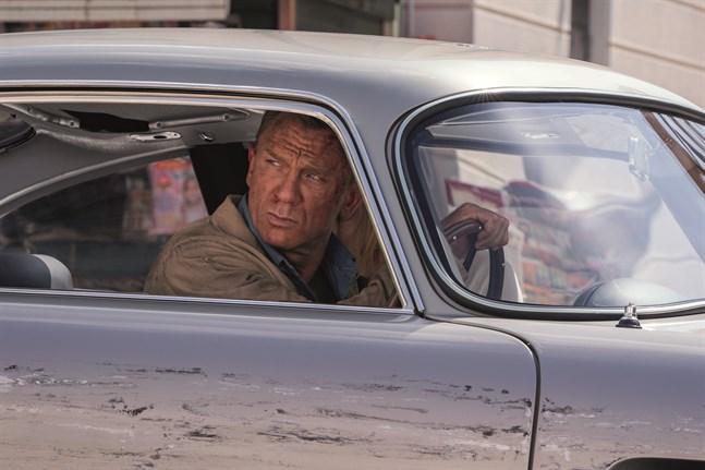 James Bond har lagt i handbromsen. Arkivbild.