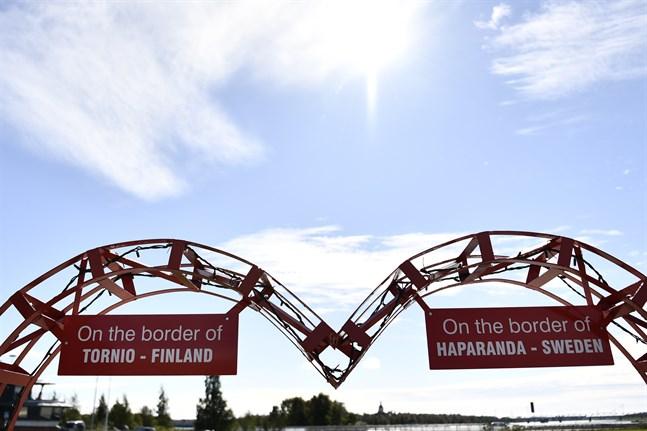 Från och med onsdag nästa vecka kommer det bli svårare att ta sig över gränsen mellan Finland och Sverige.