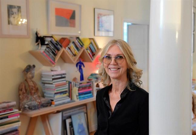 Trendspanaren Lotta Ahlvar är intresserad av form. Hon blandar gärna möbelklassiker med antikviteter, roliga prylar och vacker konst.