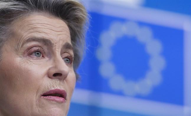 EU-kommissionens ordförande Ursula von der Leyen manar Astra Zeneca att lösa sina leveransproblem. Arkivfoto.