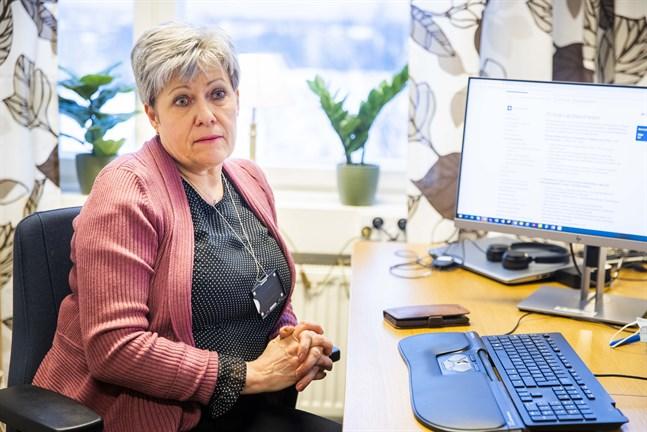 Päivi Berg är chef för primärvårdsenheten i Vasa sjukvårdsdistrikt. Det är hon som ser till att samarbetet mellan social- och hälsovårdens alla enheter fungerar.