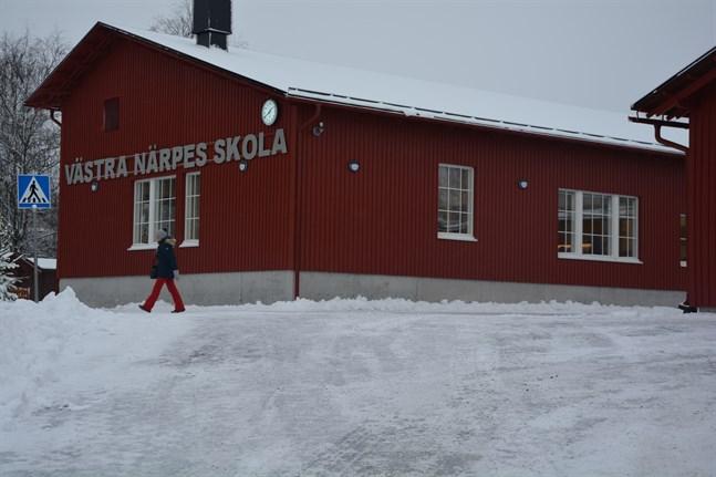 Fyra personer är intresserade av att bli ny rektor för Västra Närpes skola.
