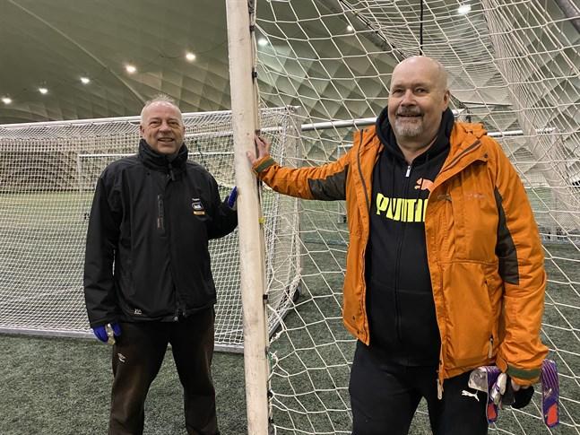 Teppo Pättikangas, till vänster, och Jorma Huusko ska lotsa Krafts damer till nya framgångar i sommar.