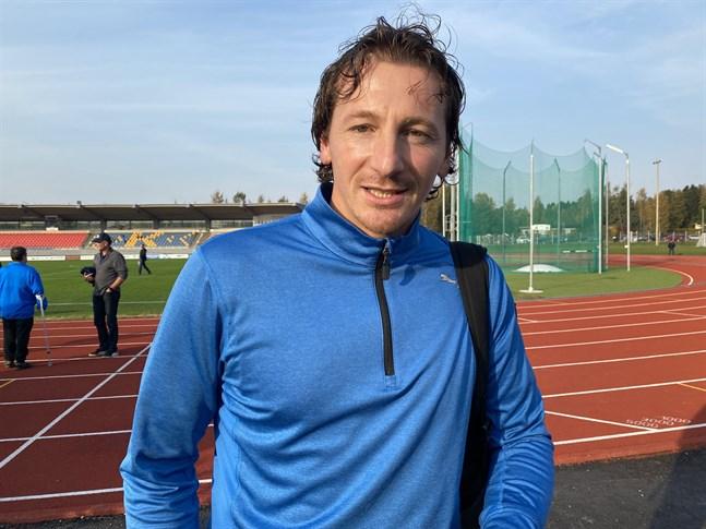 Vladan Zlatkovic fortsätter jobba som tidigare, som tränare för Kraft II och målvaktstränare för Kraft.