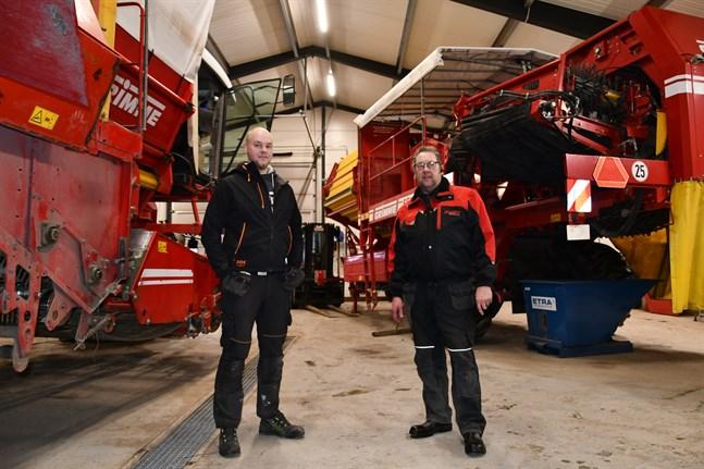 Aki och Timo Myllyviita ser gärna att kunden låter utföra servicen på potatismaskinerna under vintern, så att de går felfritt under säsongen.