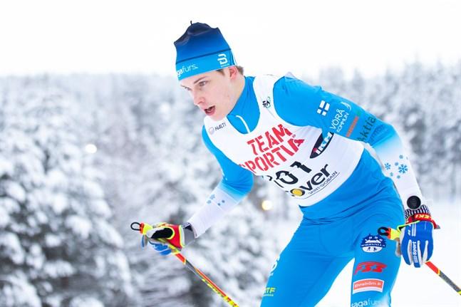 Alexander Ståhlberg, Norrvalla Ski Team, tog två guld av två möjliga i junior-FM i Jyväskylä.