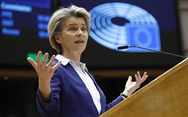 EU-kommissionens ordförande Ursula von der Leyen får kritik för sitt agerande under coronapandemin.