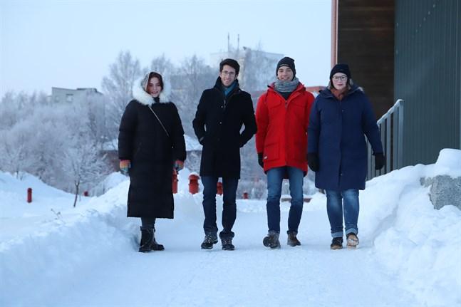 Jekaterina Dubnicka, Sancho Juliani, Jan Leisbrock och Annika Raudssus har olika bakgrund. Gemensamt är att de kommit som utbytesstudenter till Vasa i januari.