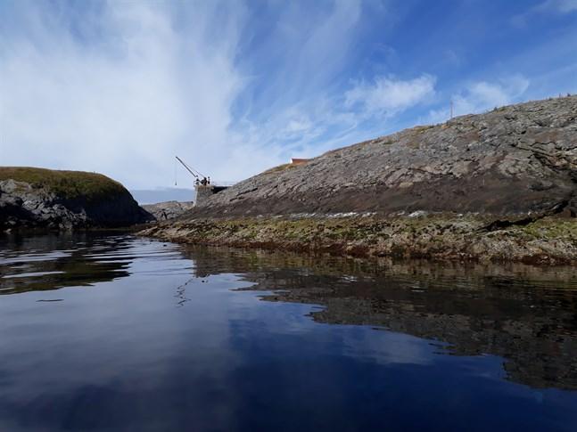 Den 6 februari firar samerna sin nationaldag. Bilden är tagen vid Keila som är den enda landstigningsplatsen på Skomvær. Läs Simon Gripenbergs tredelade reportage från resan över Nordkalotten.