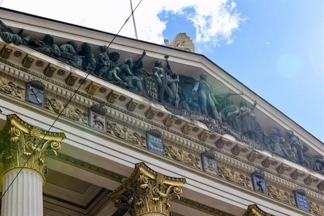 Regeringen sammanträder i Ständerhuset klockan 9 på torsdagen.
