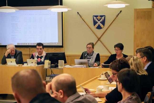 I Korsnäs fullmäktige sitter just nu nio kvinnor och tolv män.