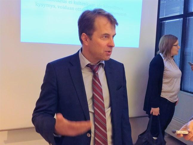 Roope Uusitalo, professor i offenlig ekonomi vid Helsingfors universitet, säger att Finland har klarat sig bättre i pandemin än många andra europeiska länder. Arkivbild.