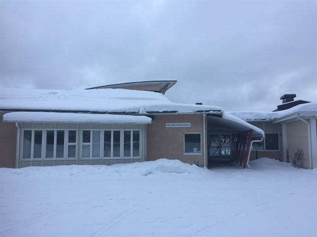 Delar av Metsäkulman koulu i Nykarleby övergår till distansundervisning.