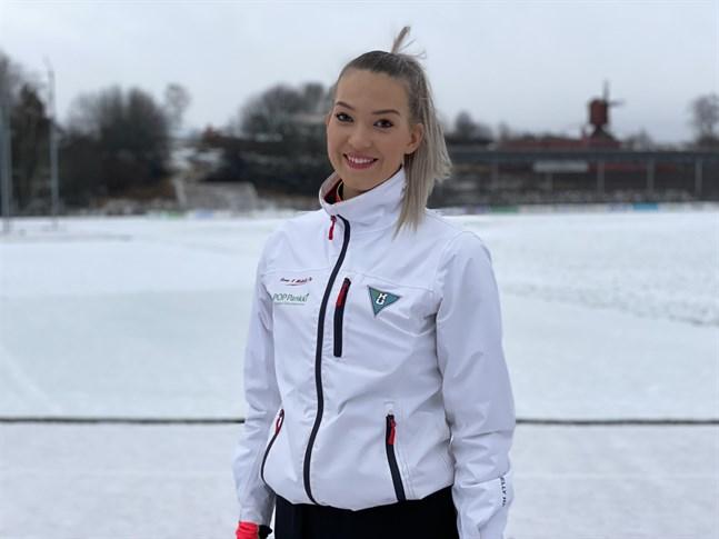 Janita Leppäranta öppnade friidrottsäsongen på ett lovande sätt i Kuortane. Det blev rekord direkt i den första tävlingen för säsongen.