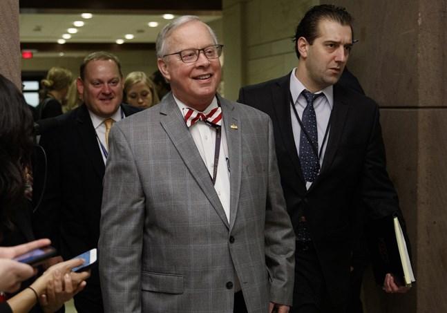 Republikanen Ron Wright, ledamot i USA:s representanthus, har avlidit efter att ha insjuknat i covid-19. Bild från 2018.