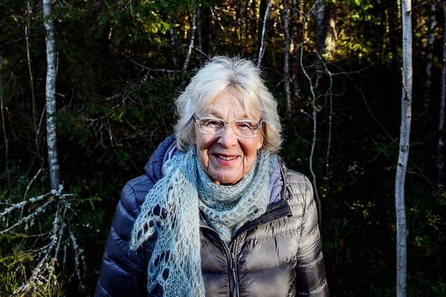 """Gurli Lindén skrev """"Flyghöjd – en självbiografi"""" för att hon kände, att det var något hon måste göra. Nu har hon fått ett pris av Svenska litteratursällskapet för boken."""