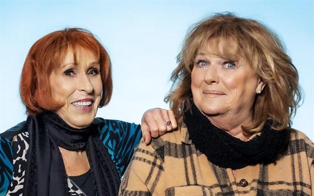 """Eva Rydberg och Ewa Roos medverkar med låten """"Rena rama ding dong""""."""