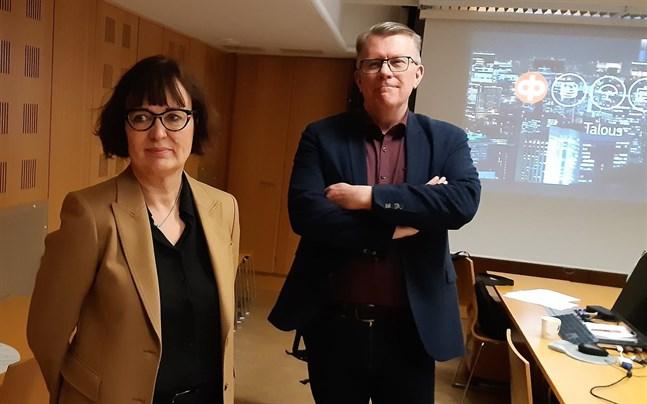 Agneta Ström-Hakala ersätter Thomas Hulten som verkställande direktör för Pedersörenejdens Andelsbank.