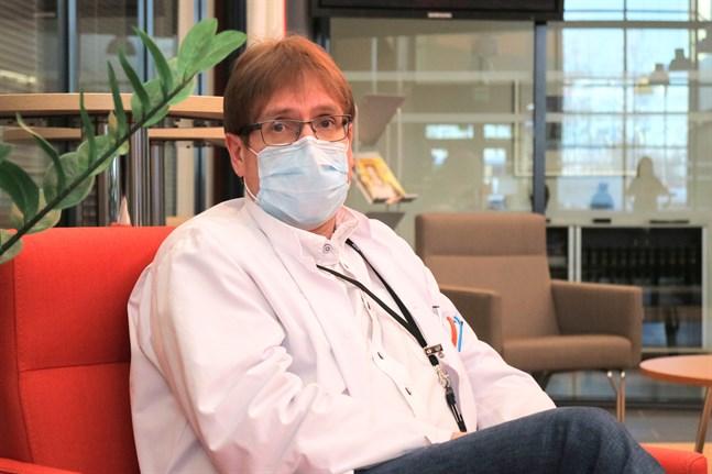 Alla analyserade provsvar som kommit från THL har visat sig vara den brittiska muterade coronavarianten, säger infektionsöverläkare Marko Rahkonen.