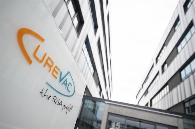 EU:s läkemedelsmyndighet EMA har påbörjat en så kallad löpande utvärdering av vaccinet från det tyska läkemedelsföretaget Curevac. Arkivbild.