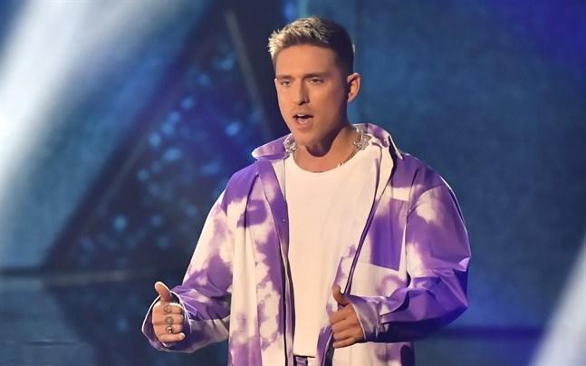 "Danny Saucedo med låten ""Dandi dansa"" under Melodifestivalen."