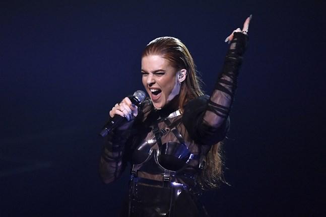 """Dotter och låten """"Little Tot"""" är vidare i Melodifestivalen."""