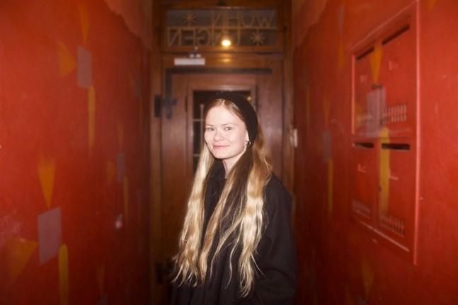Författaren Déa Solin växte upp i Jakobstad. Numera bor hon i Schweiz.