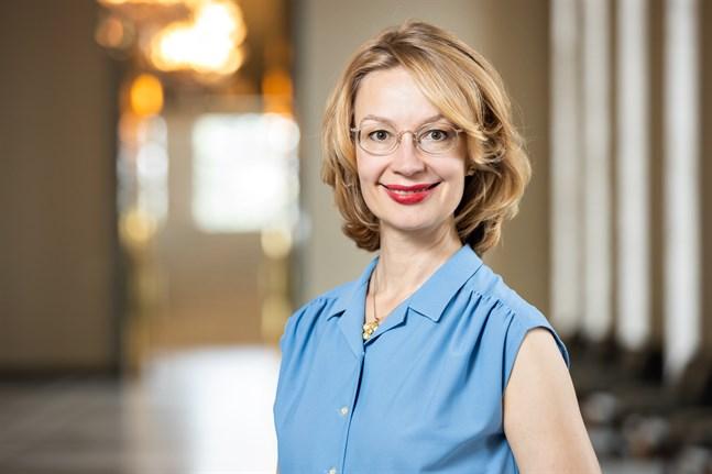 Europa- och ägarstyrningsminister Tytti Tuppurainen (SDP) lovar inom kort en redogörelse för riksdagen som enligt henne kommer att visa att det lönar sig för Finland att vara med i EU.
