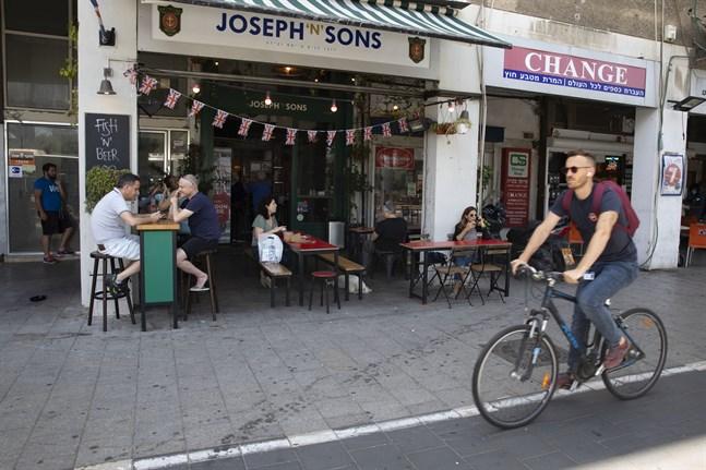 Israel planerar att öppna upp kaféer och restauranger i mars. Arkivbild.