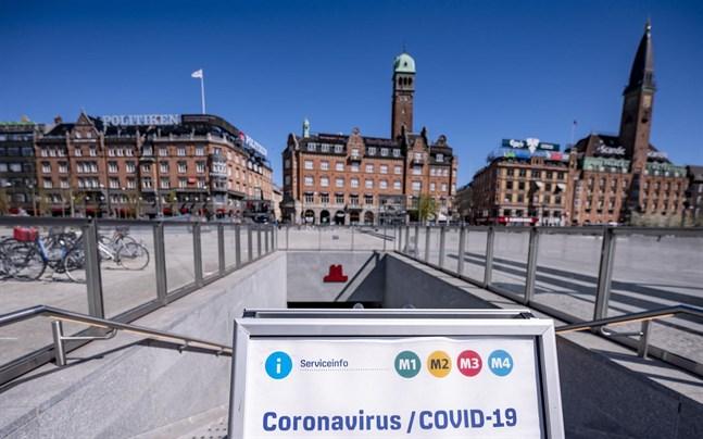 Om det danska samhället ska öppnas är det ett krav att testningen för covid-19 skalas upp, meddelar den danska regeringen som har köpt in tio miljoner snabbtester.