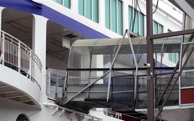 De nya rekommendationerna på att uppvisa ett negativt coronatestresultat innebär stora omställningar för rederierna.
