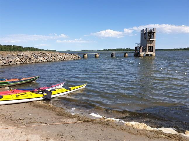 Korsnäs kommun har beviljat 5 000 euro för nya lekredskap till badstranden i Molpe.