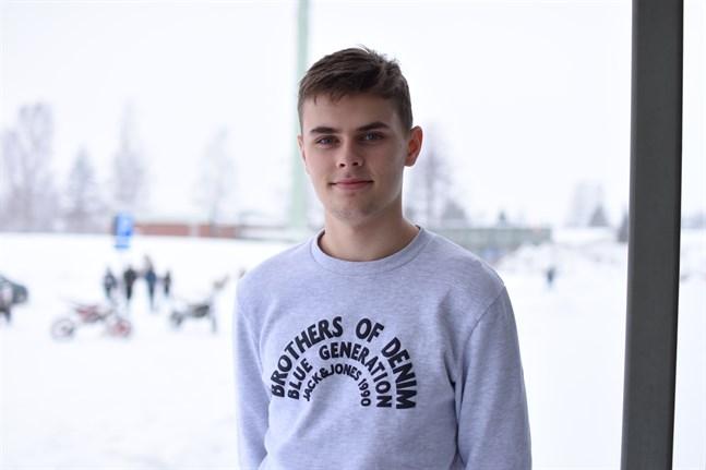 Rijad Badnjevic var på glid till Vasa IFK, men Vasalaget kunde inte lösa finansieringen. Således fortsätter han med Kaskö IK.