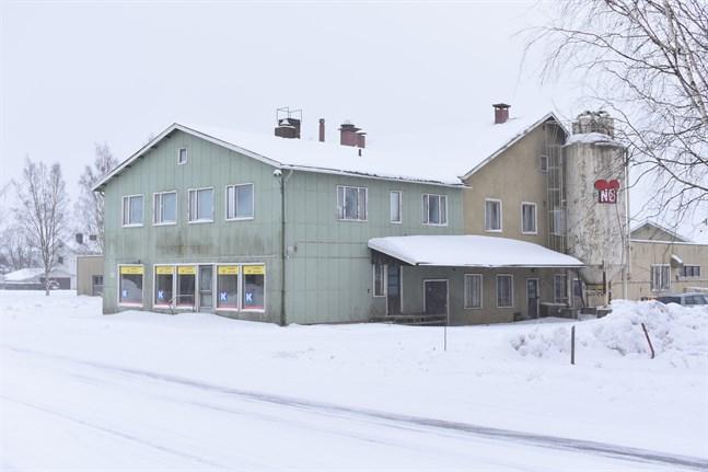 I vår inleder staden rivningen av Närpes brödfabrik. Bageriet upphörde med verksamheten för två år sedan.