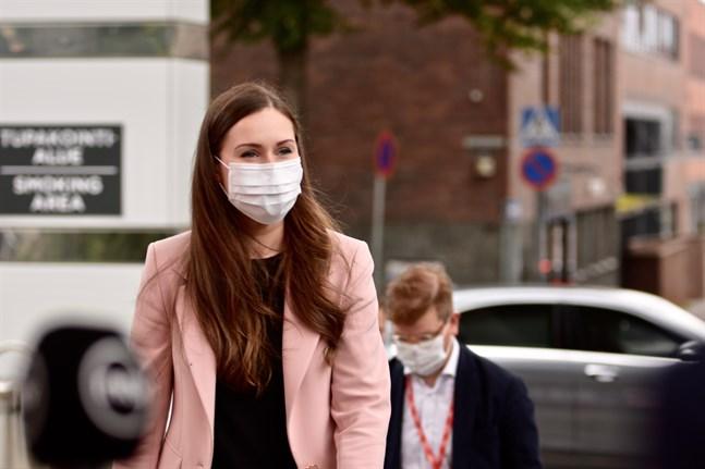 Om vi lyckas begränsa smittspridningen nu ökar chanserna för att vi kan lätta på restriktionerna i sommar, säger statsminister Sanna Marin (SDP).