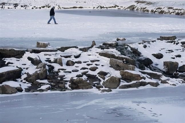 Kylan och snön slog till stor del ut elnätet i Texas och flera miljoner hushåll var utan ström.