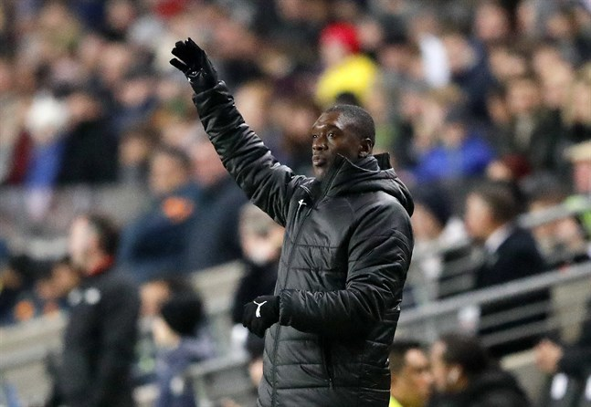 Clarence Seedorf har bland annat jobbat som tränare för Kameruns landslag.