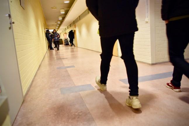 Distansundervisningen och coronarestriktionerna riskerar att försämra de ungas psykiska hälsa.