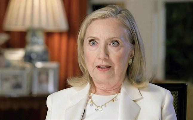 Hillary Clinton blir thrillerförfattare. Boken ges enligt planerna ut i oktober.