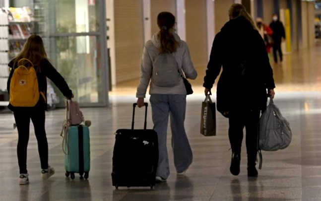 Då sportlovsfirare reser norrut, ökar risken för smittspridning.