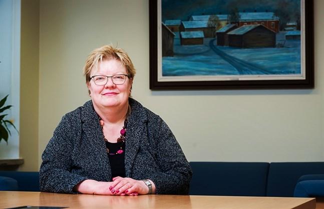 Förvaltningschef Carola Löf går i pension strax före det arbetsdryga kommunalvalet drar i gång. Det har blivit många sena kvällar genom åren, konstaterar hon.
